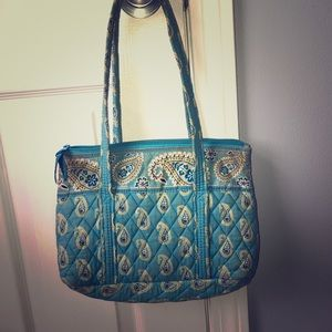 Medium sized Vera Bradley purse